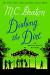 M. C. Beaton: Dishing the Dirt: An Agatha Raisin Mystery (Agatha Raisin Mysteries)