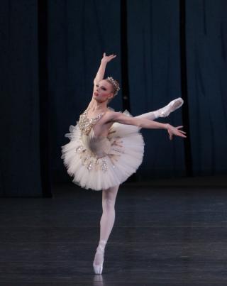 Sara Mearns in Diamonds from George Balanchine's Jewels. Photo © Paul Kolnik