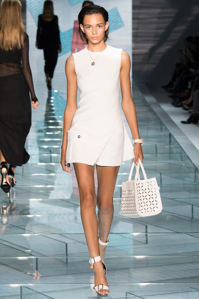 2bc98d33993 MILAN FASHION WEEK: Versace Spring 2015 - Image Amplified