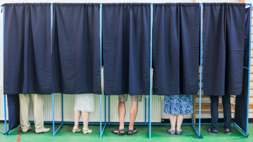 People-in-voting-booth