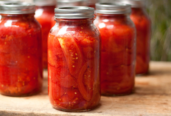 Canned_tomatoes_2010