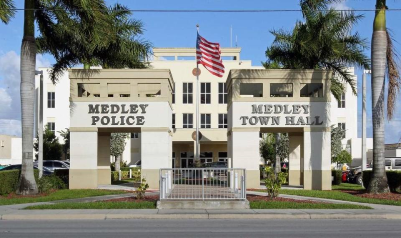 Medley1 police lnew cmg