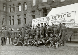 Soldiers in front of City Hall. Date: 1915