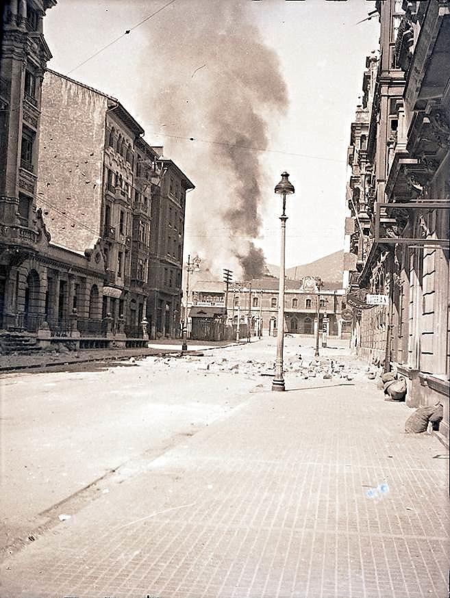 Archivo fotográfico del Muséu del Pueblu d'Asturies  Foto incorporada a la Galería del Proyecto didáctico 'En píe de guerra ¿Periodista o escritor?'