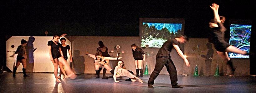Natura 3.0. Performance Audiovisual basada en una pieza musical compuesta 'ad-hoc', adoptando como temática principal la Naturaleza. El proyecto ha sido realizado por estudiantes de ESO (curso escolar 2011/12) bajo la dirección del profesor Adolf Murillo Ribes en el instituto público 'Arabista Ribera' de Carcaixent.