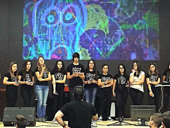 Participación de estudiantes del IES 'Arabista Ribera'- en el espectáculo MEVArt II (Música Electrónica y Vídeo Arte)  – 10 La Ciudad es de Goma – utilizando dispositivos móviles y la herramienta Soundcool | Adolf Murillo.