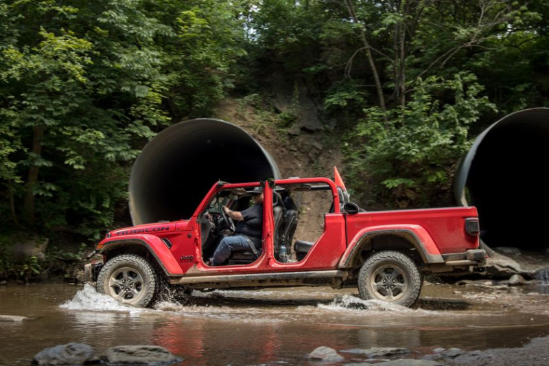 2020 Jeep Gladiator Rubicon In Water