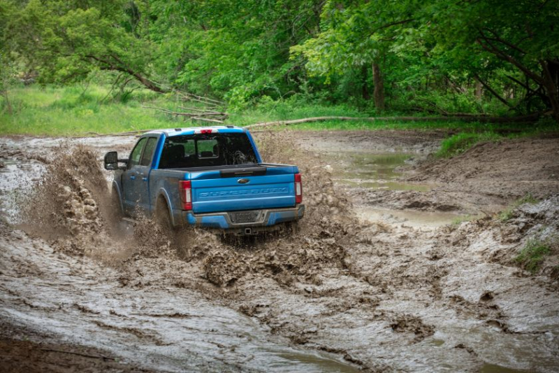 2020 Ford Super Duty Fording Water