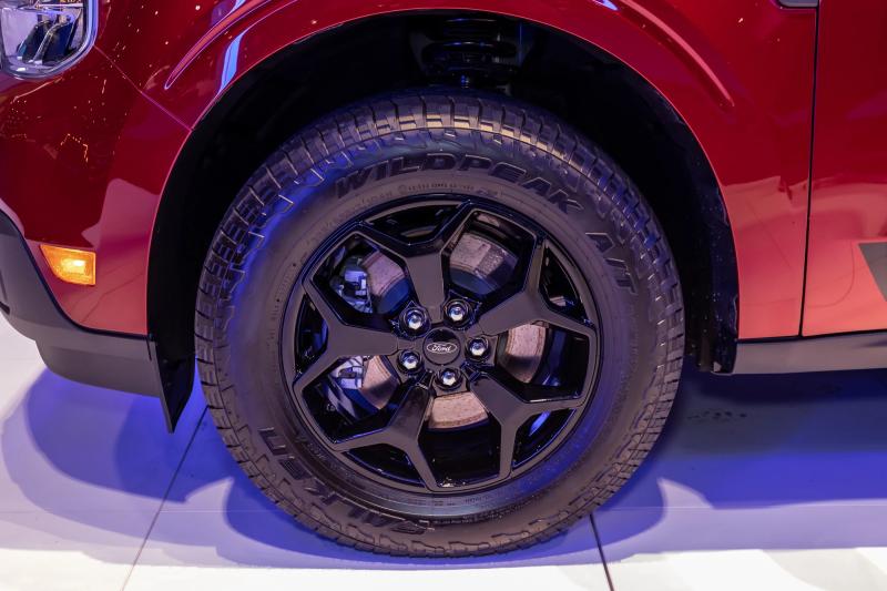 2022 Ford Maverick left front wheel detail