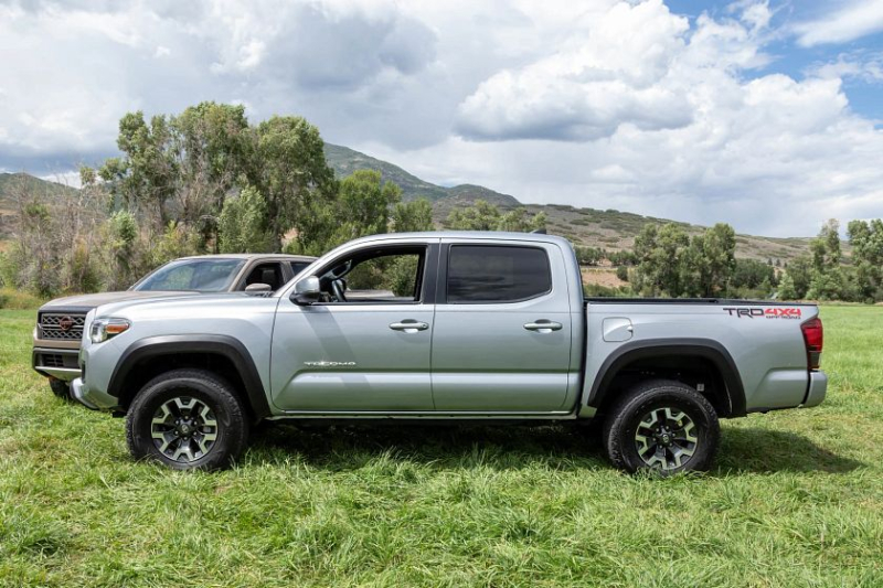 2021 Toyota Tacoma TRD Off-Road side view