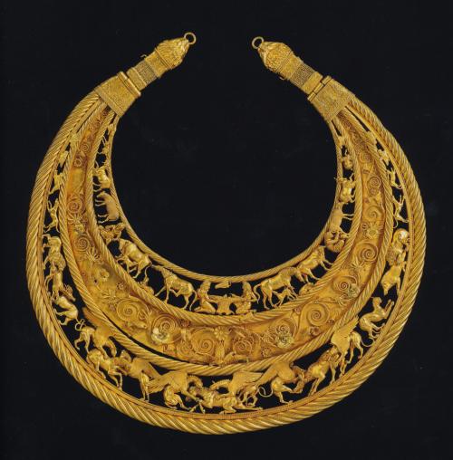 ScythiansPectoralBlack