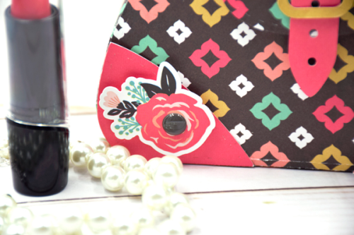"""Fabulous paper purse by Tya Smith with the """"Fashionista"""" collection by #EchoParkPaper"""