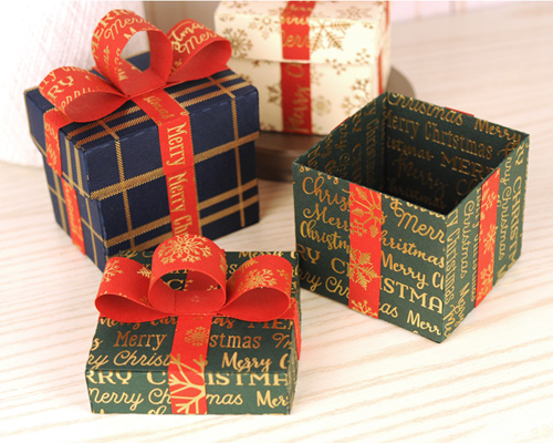 Foil Cardstock Stocking Stuffer Boxes by Jana Eubank for #CartaBellaPaper