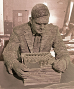 498px-Turing-statue-Bletchley_10