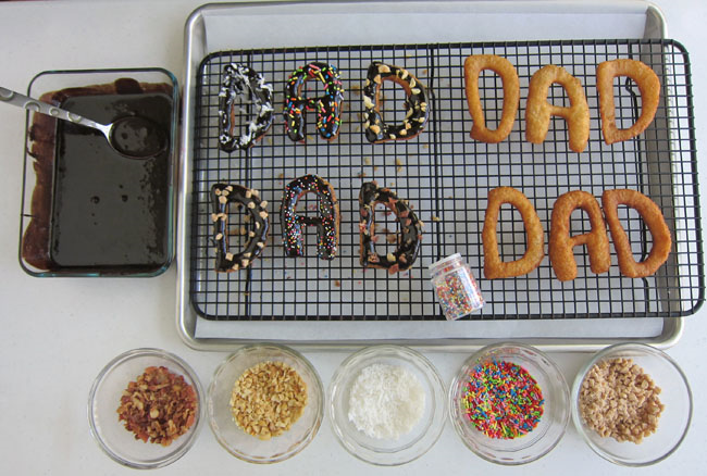 Decorating-doughnuts-for-dad